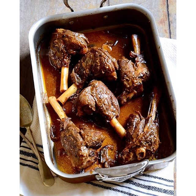 Fall-off-the-bone, slow roast lamb shawarma with red wine and caramelized red onions. Easter lamb…