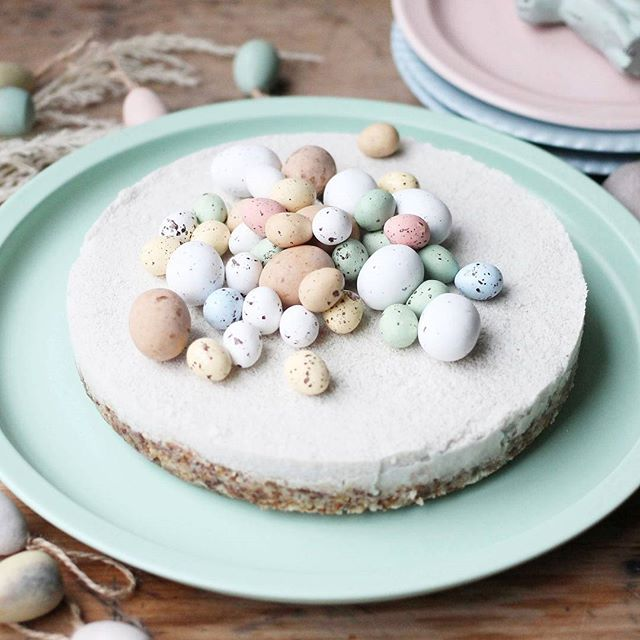Vanilla Cake With Mousse Filling