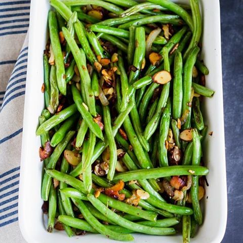 how to cook green beans with bacon and almonds