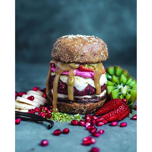 Candy Mountain Raw Dessert Burger