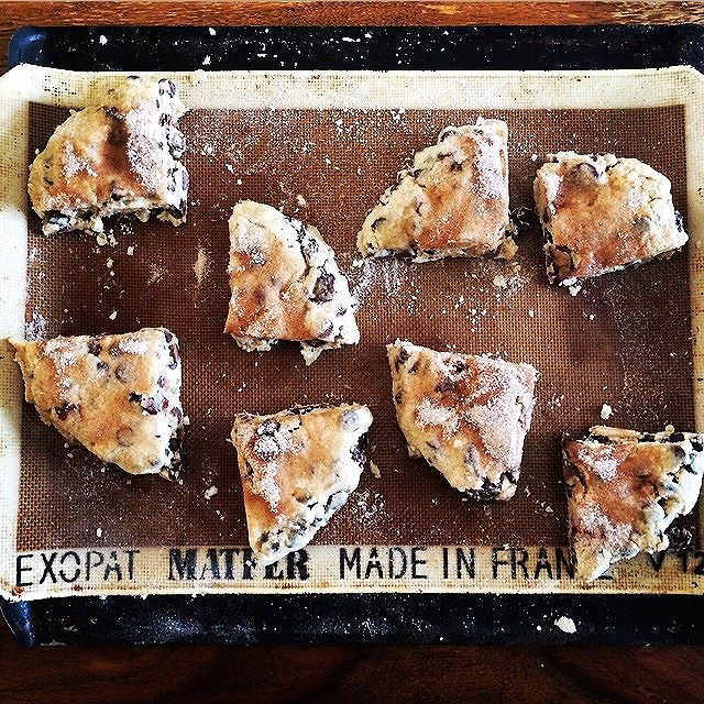 { dark chocolate + cherry scones } getting popped in the oven. ...the crystal ball sees lots of…