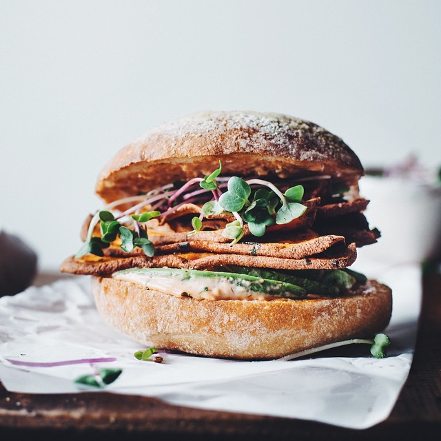 Spicy Sweet Potato Chip Avocado Sandwich With Mixed Greens