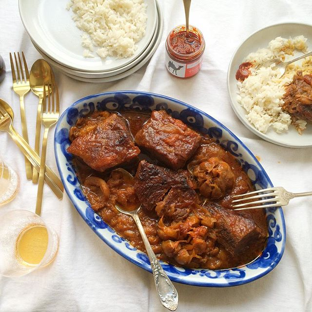 Passover recipe ALERT!! Brisket, apricots & @nyshuk Harissa. Came out super good, just in case you…