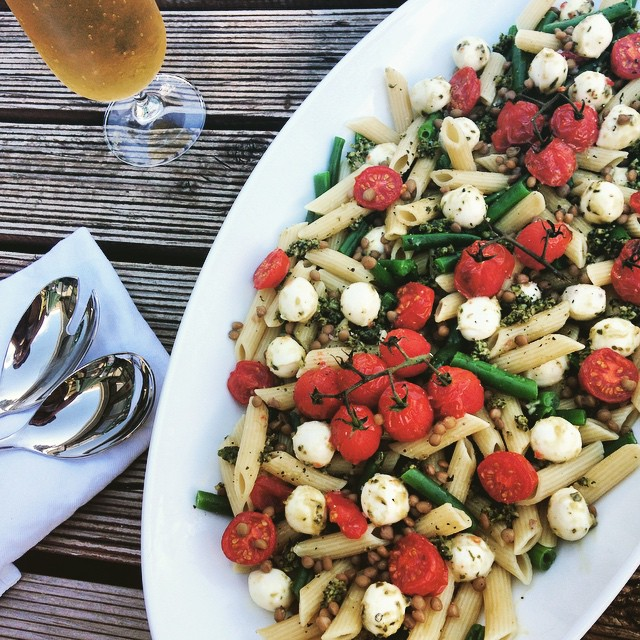 Penne Pasta With Tomatoes, Bocconcini And Green Beans