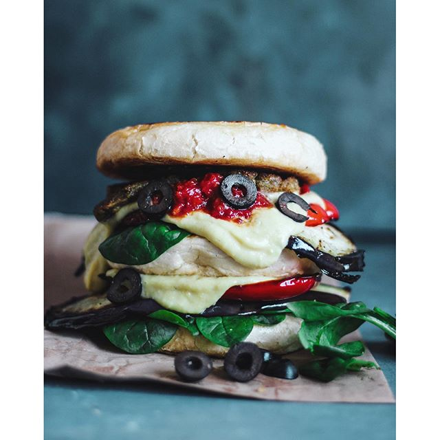 Grilled Eggplant Pizza Burger