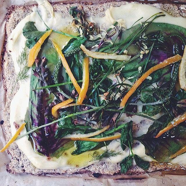 Za'atar Cauliflower Crust With Greens