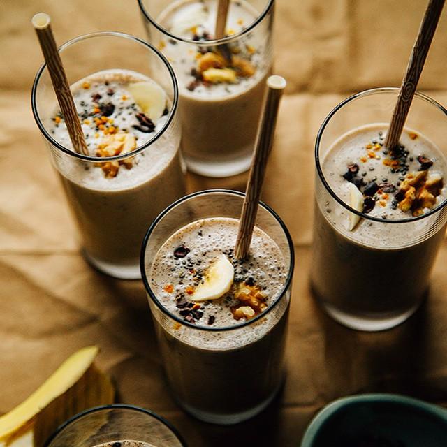 Raw Banana Bread Shakes With Homemade Walnut Milk