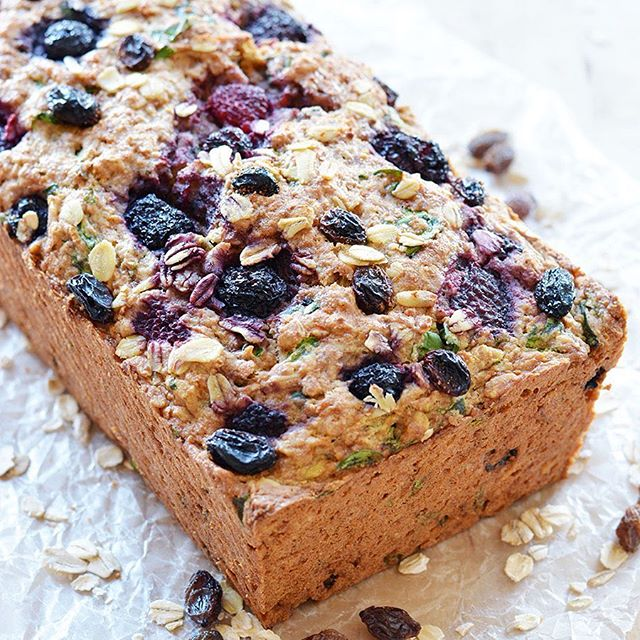 Vegan Carrot Spinach Berry Loaf