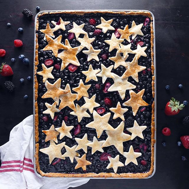 This festive Mixed Berry Slab Pie! Slab pies are like regular pies, but made in a large sheet pan so…