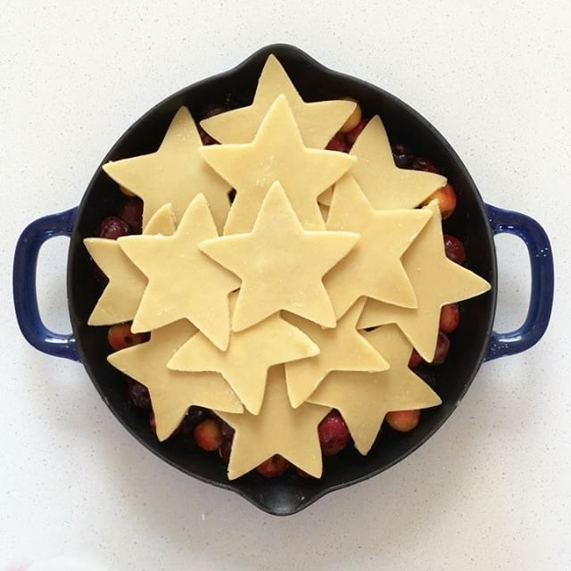 Here is how to make it: <br> cut star shapes in rolled out pie dough  <br> combine cherries, sugar…