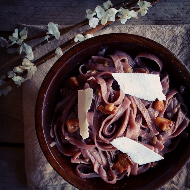 How to make pasta better  Cook it in wine