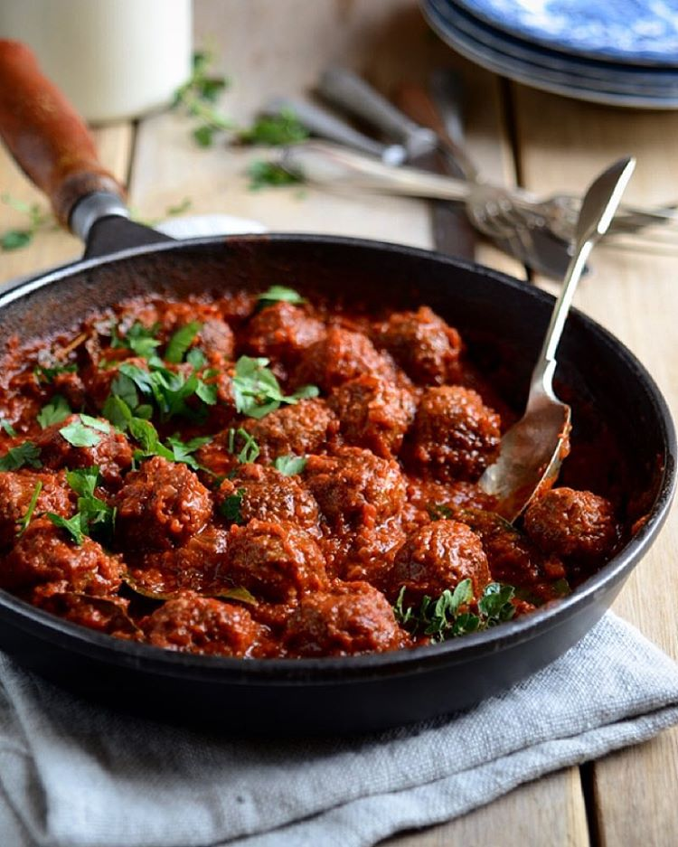 When were meatballs ever not a good idea? Go Spanish and give it some heat with these smoky tapas-…