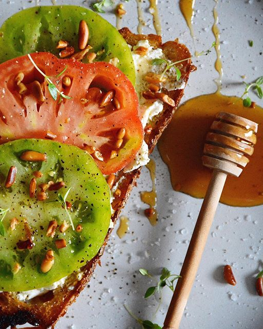 Heirloom Tomato Toast With Ricotta And Honey