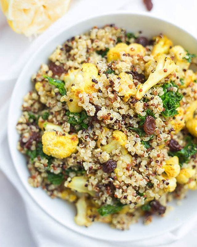 Isn't packing a school and/or work lunch a pain? This Curry Cauliflower & Kale Grain Salad makes it…