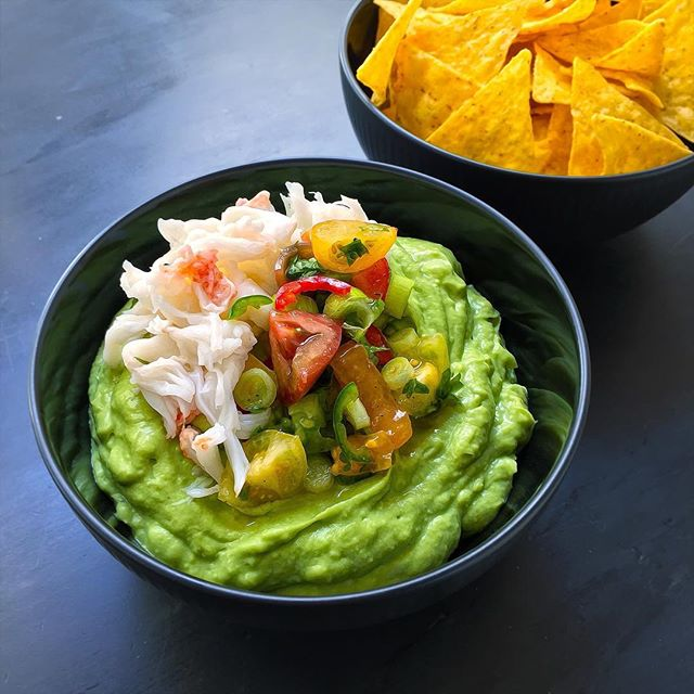 Fingerfood to die for - Guacamole with freshly cooked lobster.