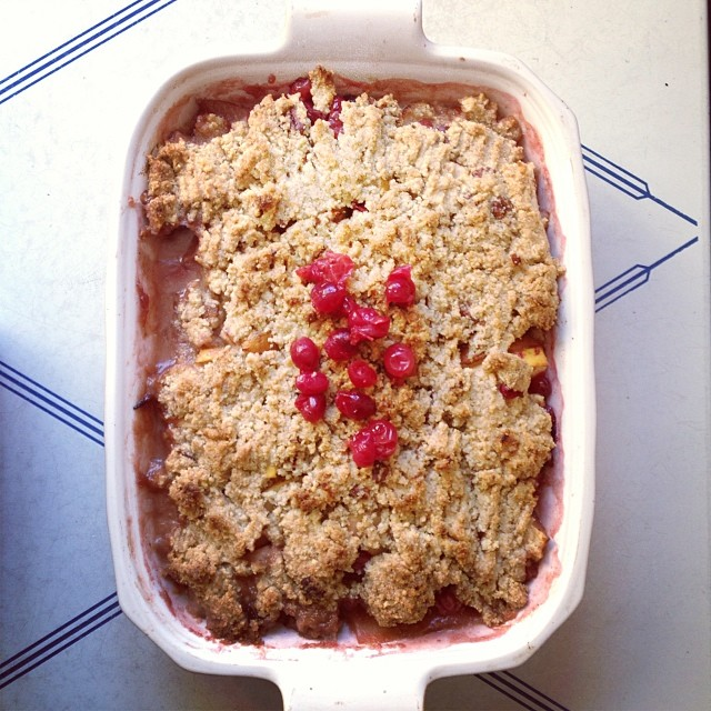 Apple Pear Cranberry Crumble