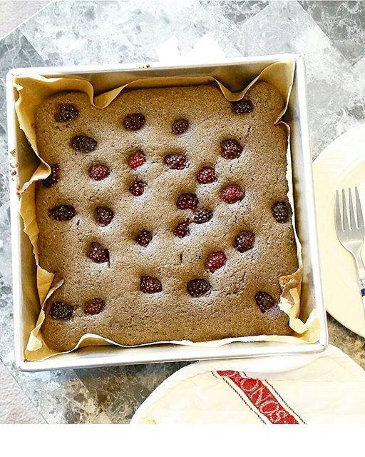 Blackberry Buckwheat Cardamon Cake!