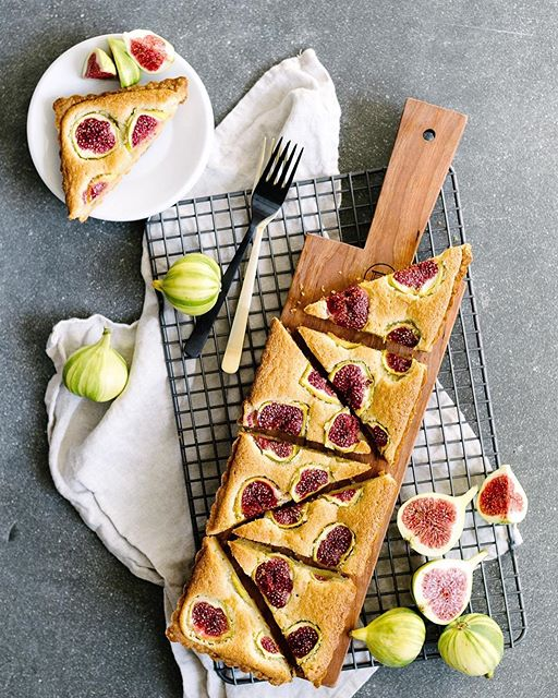 First preserves, now tarts. Making all the things with all the @cafigs! This is a fig-frangipane…