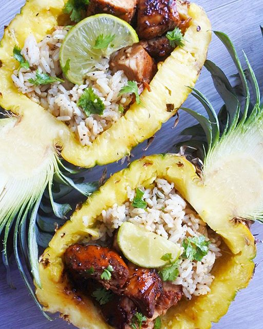 Pineapple Bows With Teryaki Chicken And Cilantro Rice