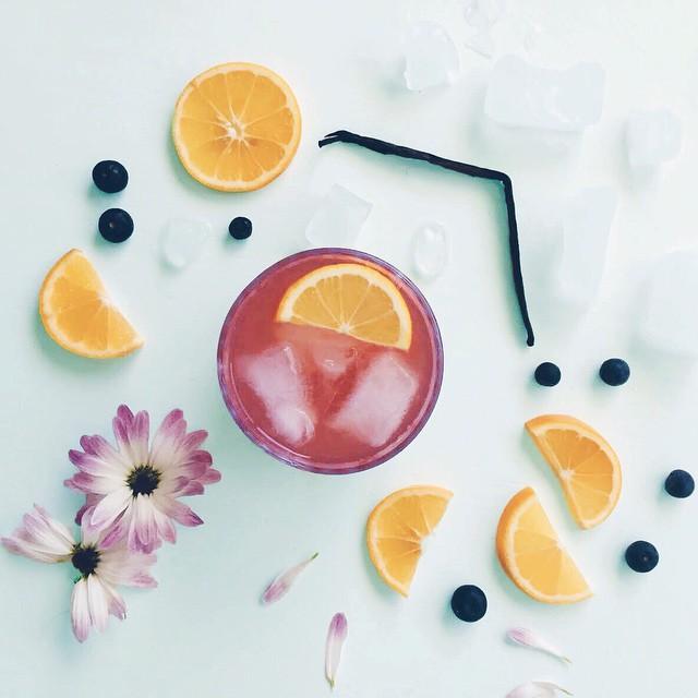 Blueberry And Vanilla Whiskey Lemonade