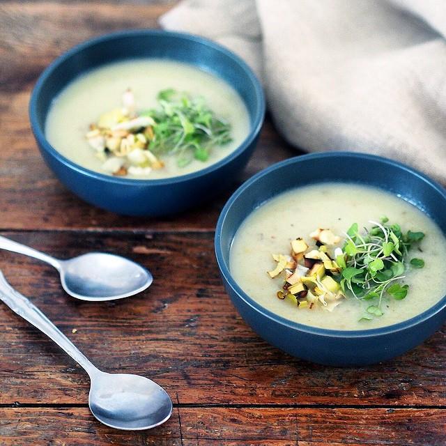 Sunchoke Sage & Crispy Leek Soup