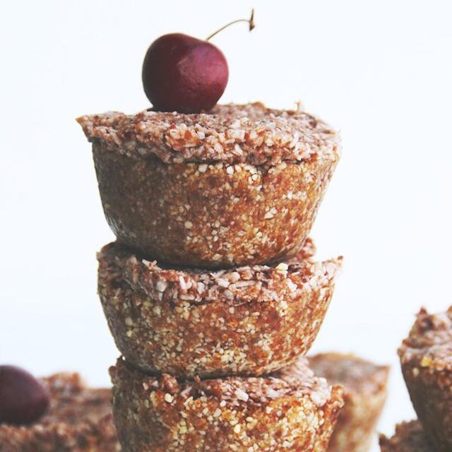 Cherry Hand Pies (raw)