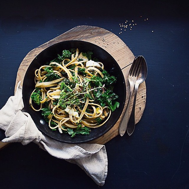 Kale & Caramelized Onion Fettuccini With Goat Cheese