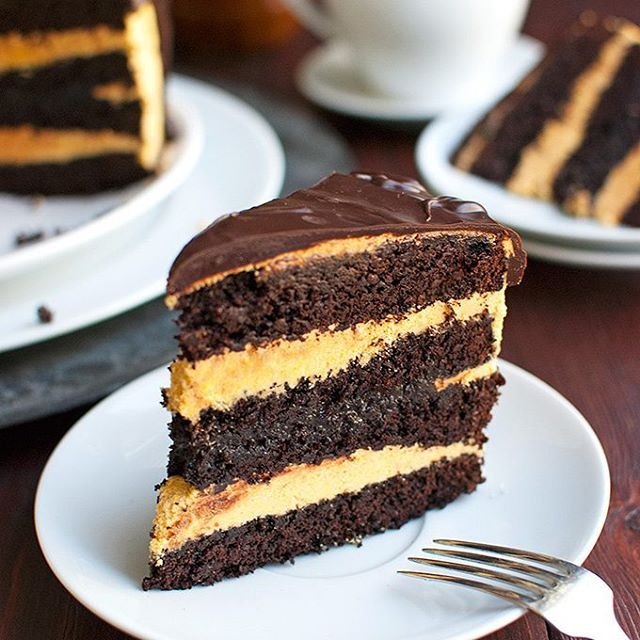 Layer Chocolate Cake Salted Caramel