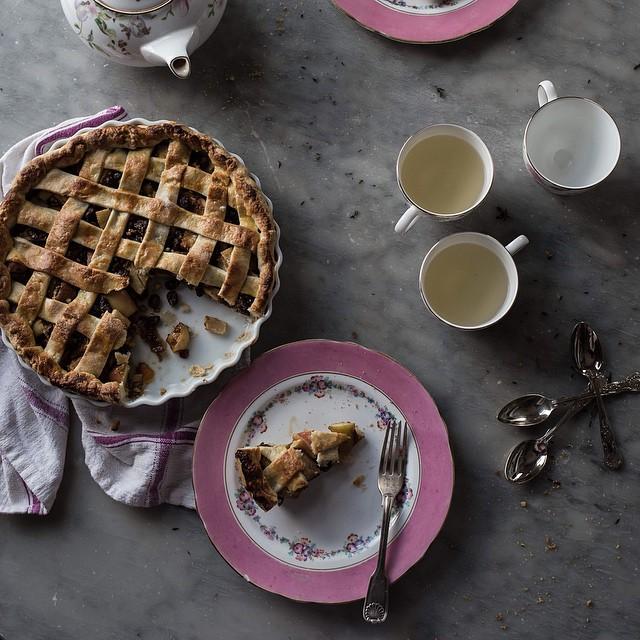 Apple & Pear Strudel Pie With Raisins & Orange (crostata Di Strudel)