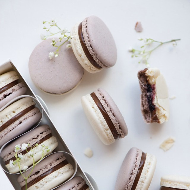 Earl Grey & Cassis Macarons
