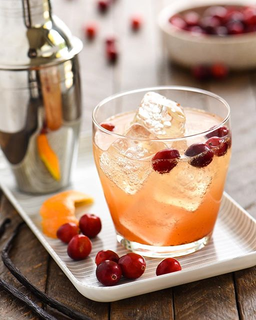 Fresh cranberries are hitting grocery stores, and I'm ready for a Cranberry-Vanilla Gin Spritzer!