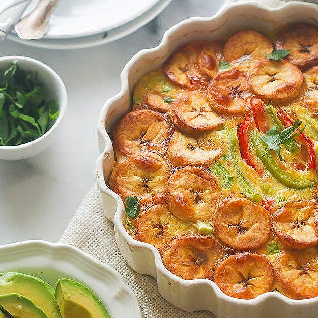 Baked plantain and egg frittata. A delicious, light and tasty paleo breakfast.