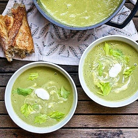 Get your soup on! This leek & broccoli soup is easy enough for a weeknight, versatile, and it's a…