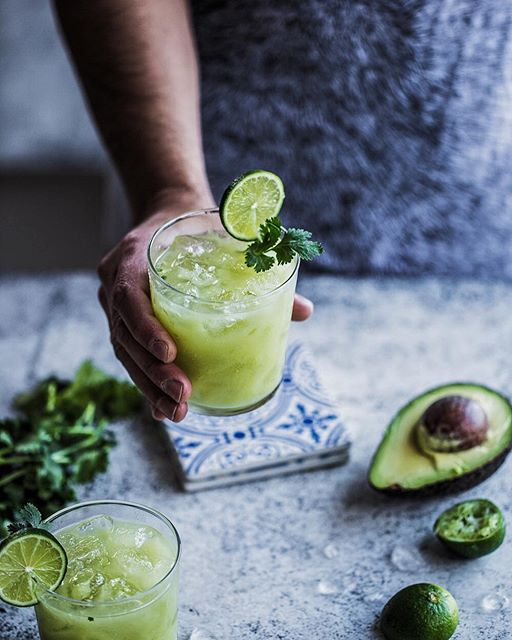 Movie night with wood-fired pizzas delivered! But this smashing Avocado Jalapeno And Lime Maragarita…
