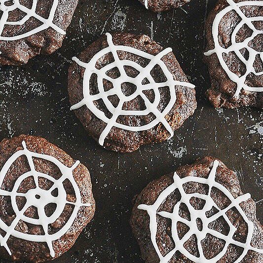 Whole Wheat Flax Chocolate Spiderweb Cookies