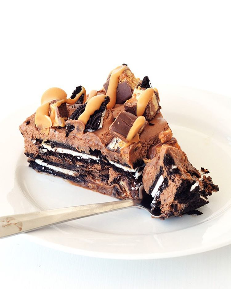 Peanut Butter Chocolate Cookie Icebox Pie