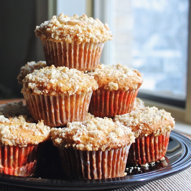 Caramel Cheesecake Muffins With Cinnamon Struesel