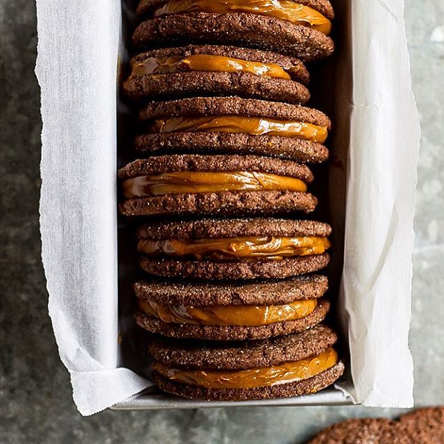 Have a sweet Sunday IG friends!! Try my Mexican Chocolate Sandwich Cookies with Dulce De Leche…