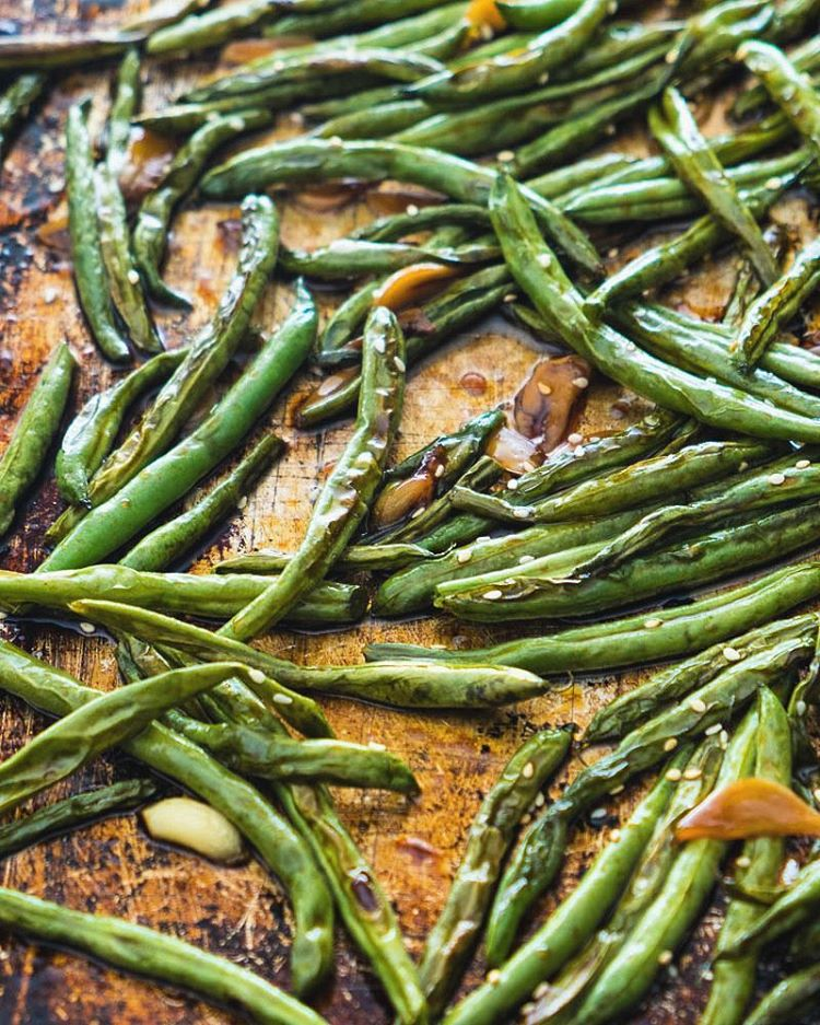 Garlic Soy Oven Roasted Green Beans