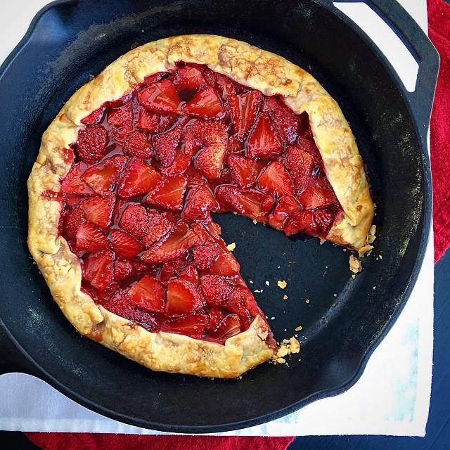 Skillet Whiskey-strawberry Tart