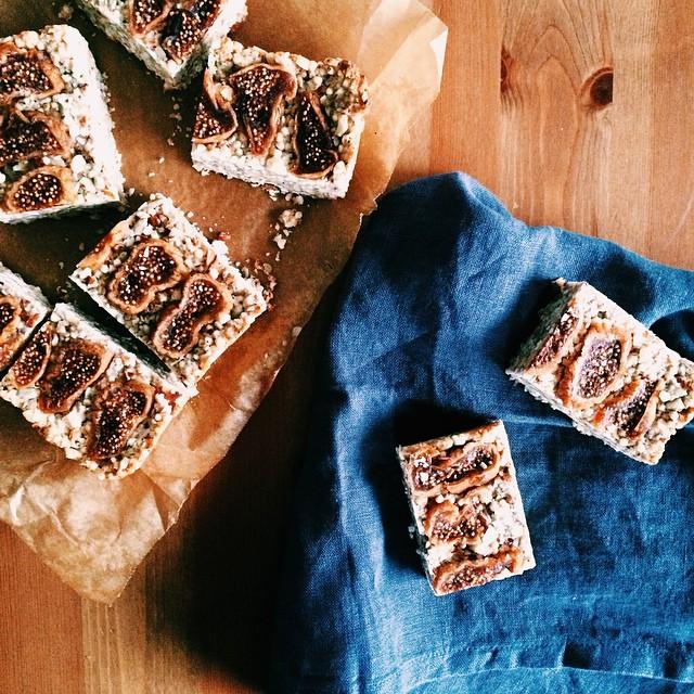Almond & Fig Granola Bars