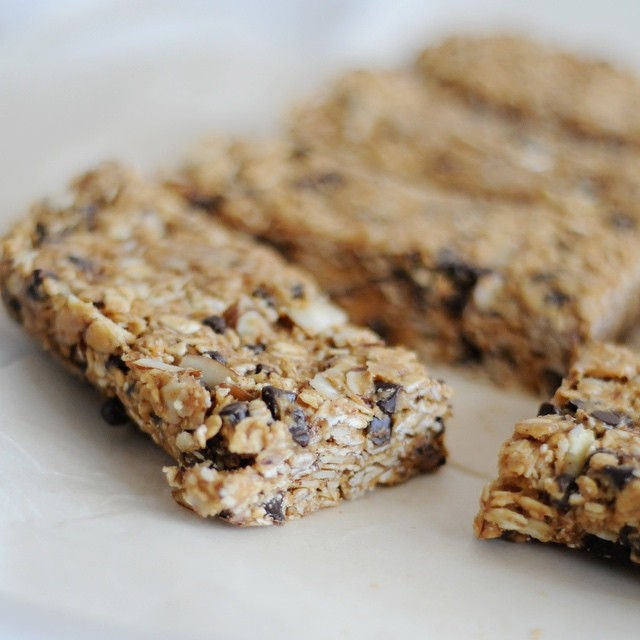 No-bake Peanut Butter & Honey Granola Bars