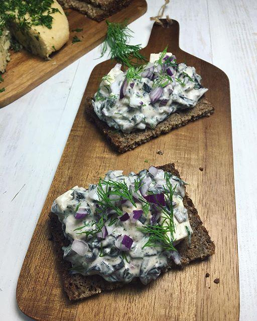 Vegan 'skagenrora' On Rye Bread