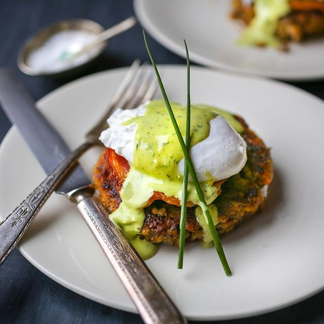 Leftover Thanksgiving Stuffing Cakes With Poached Eggs And Chive Hollandaise