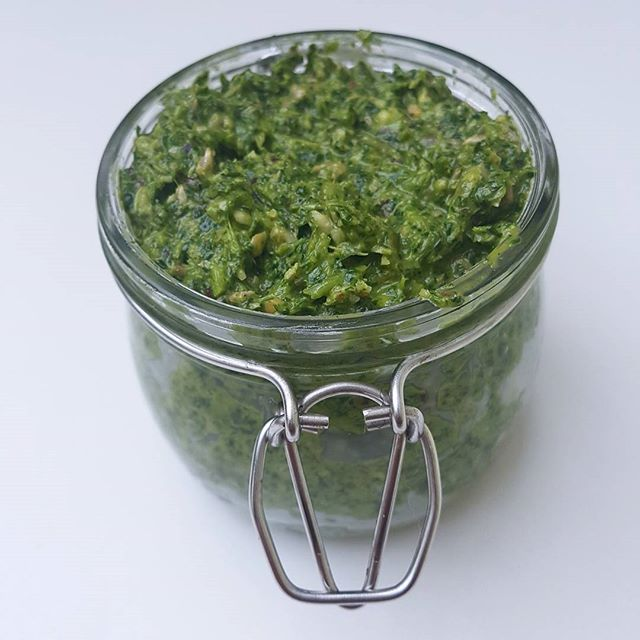 Detox Coriander Pesto! It literally takes 10 minutes & will happily keep in the fridge for a few…