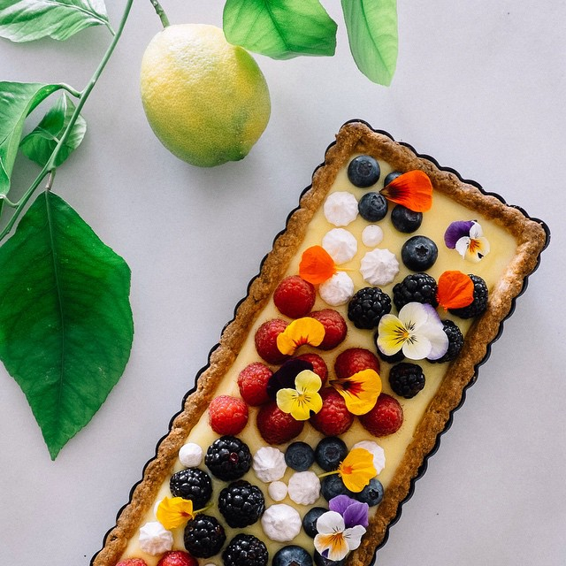 Macadamia Nut Tart With Lemon Curd