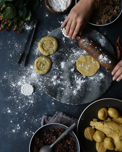 Koloocheh. These Persian inspired, effortlessly chic, delicious fig and Walnut stuffed cookies will…