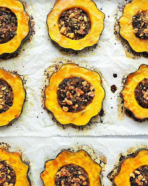 Quinoa, Spinach And Cranberry Stuffed Roasted Acorn Squash