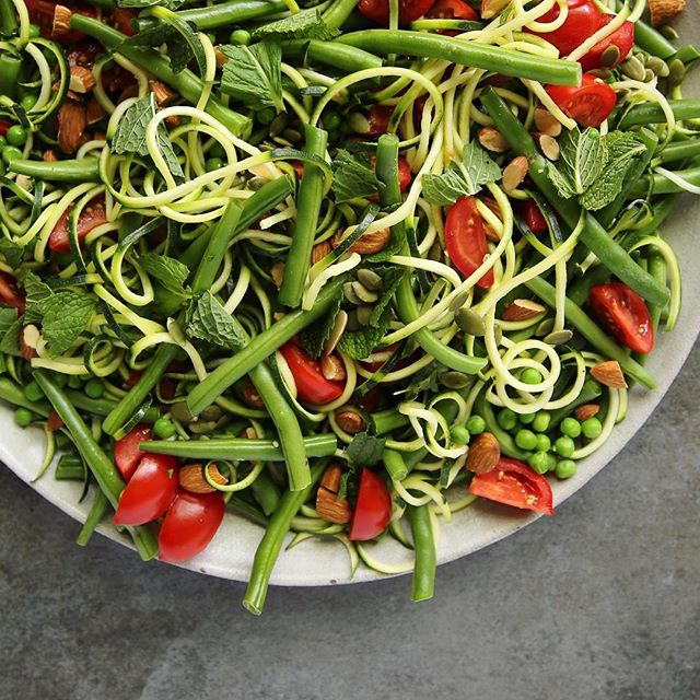 Mint Zoodle Salad With Green Beans