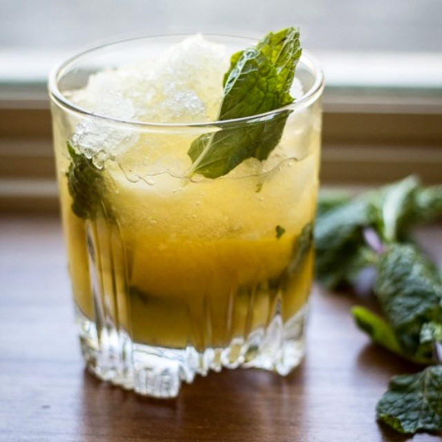 Whiskey Smash With Lemon And Mint